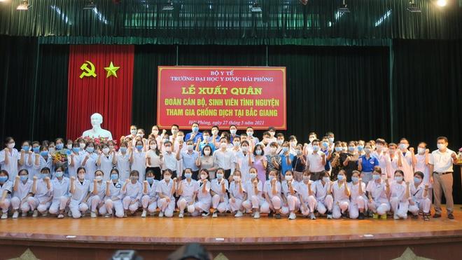 83 cán bộ, sinh viên Đại học Y dược Hải Phòng chi viện Bắc Giang chống dịch COVID-19