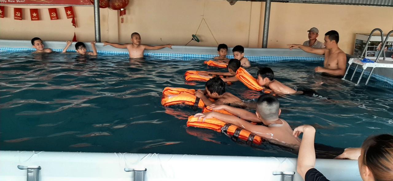 Triển khai công tác phổ cập bơi, phòng chống tai nạn đuối nước trong dịp nghỉ hè 2021 cho học sinh tại huyện Cát Hải.