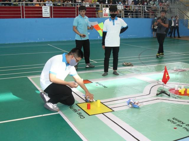 Học sinh Hải Phòng sáng tạo Robot thông minh du lịch đất Cảng