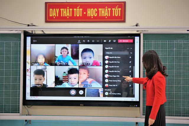 Học sinh lớp 12 làm bài khảo sát trực tuyến từ ngày 27 đến 29/5