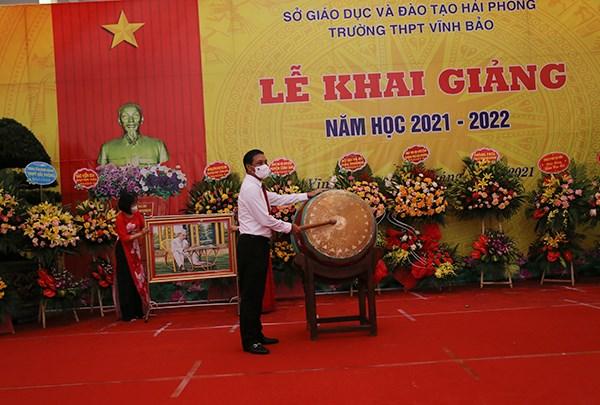 GD&ĐT: Chủ tịch UBND thành phố Nguyễn Văn Tùng dự Lễ khai giảng năm học 2021-2022 tại trường THPT Vĩnh Bảo.