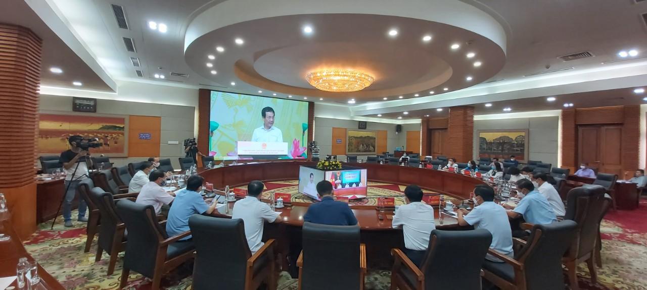 GD&ĐT: Hội nghị trực tuyến Lễ phát động chương trình Sóng và máy tính cho em.